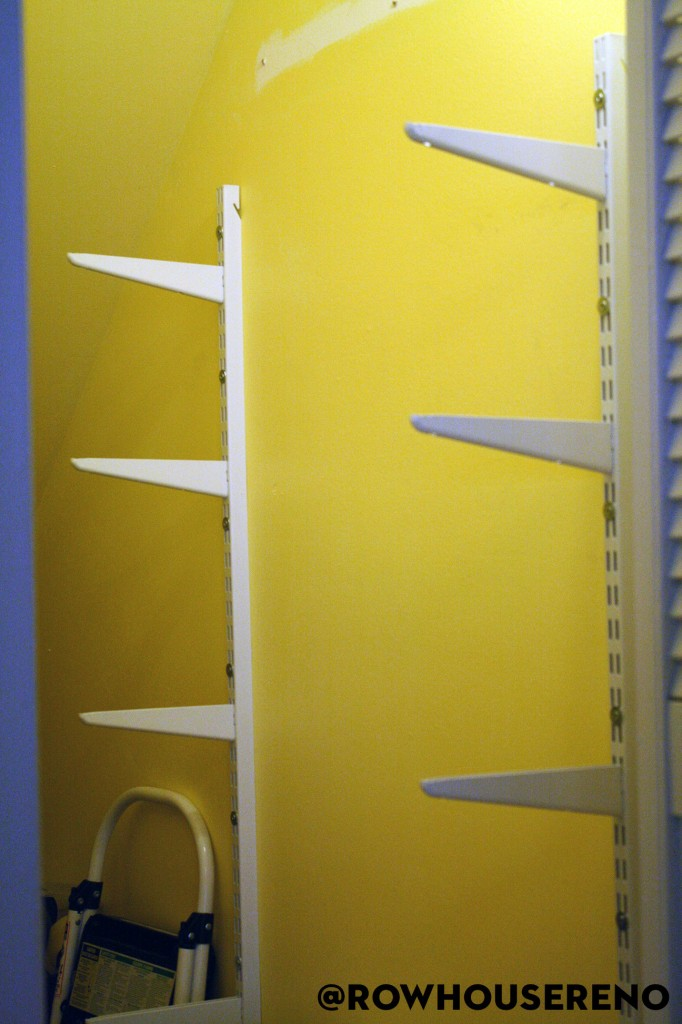 Shelf brackets